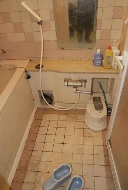 床の劣化がひどいお風呂