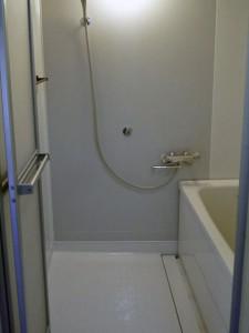 2色でコーティングしたお風呂