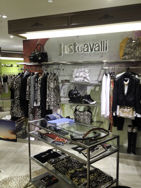 梅田阪急百貨店Just Cavalli