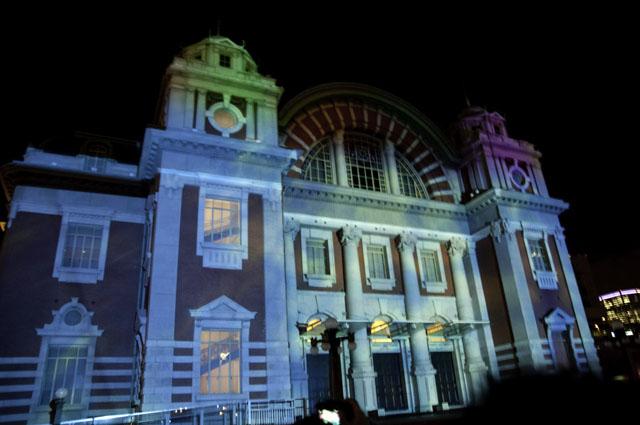 光のショーの中央公会堂8