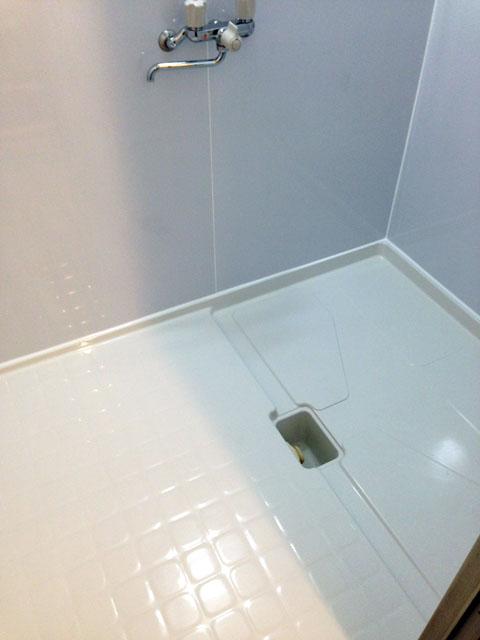 浴槽を撤去してコーティングしたお風呂の床の写真