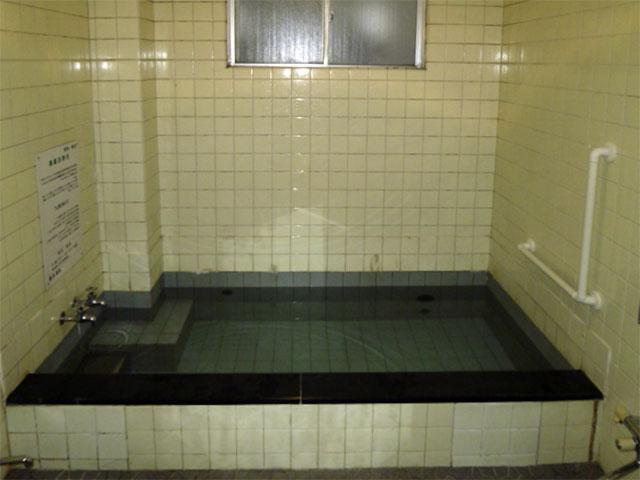 観光旅館のリフォーム前のお風呂