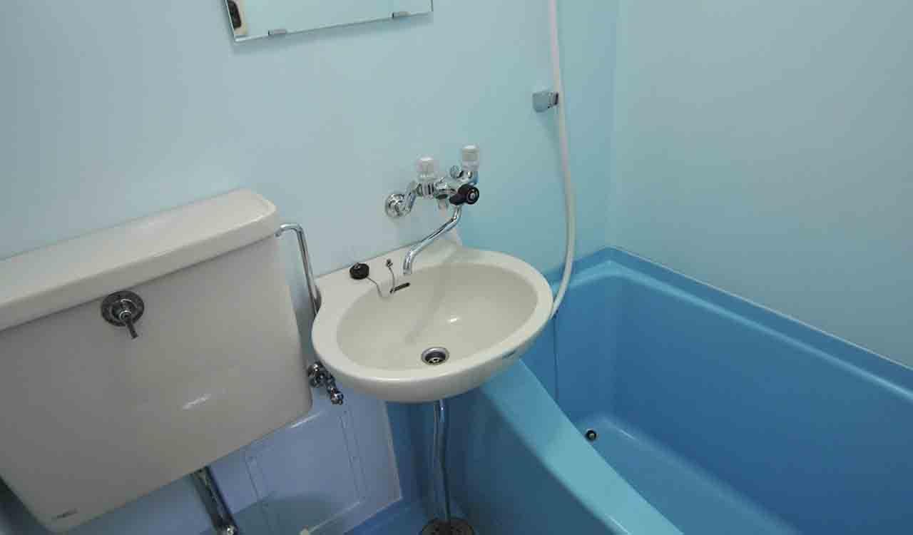 高槻駅前マンションのお風呂リフォームの浴室再生塗装