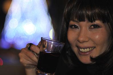 ホットワインで乾杯。リプロの女帝