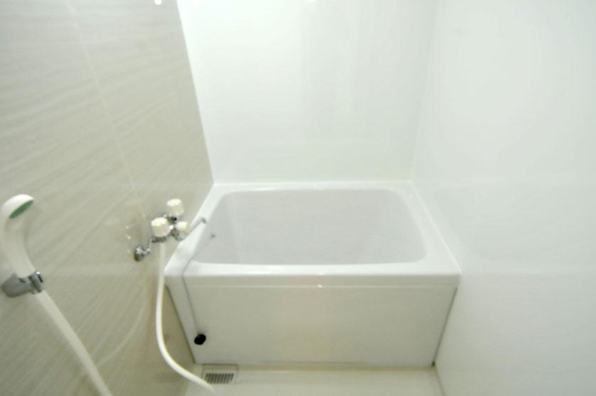 浴槽と床をコーティングしたユニットバス