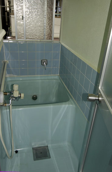 古い浴槽の補修