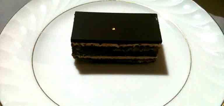 ダロワイヨのチョコケーキのオペラ