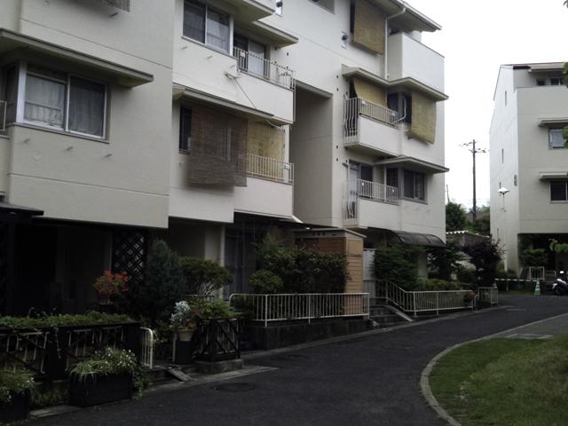 大規模修繕が終わった住宅街