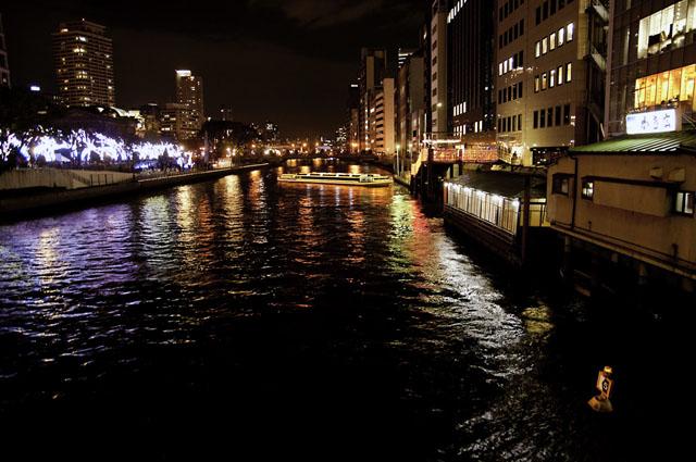 大川より光のルネッサンスを望む