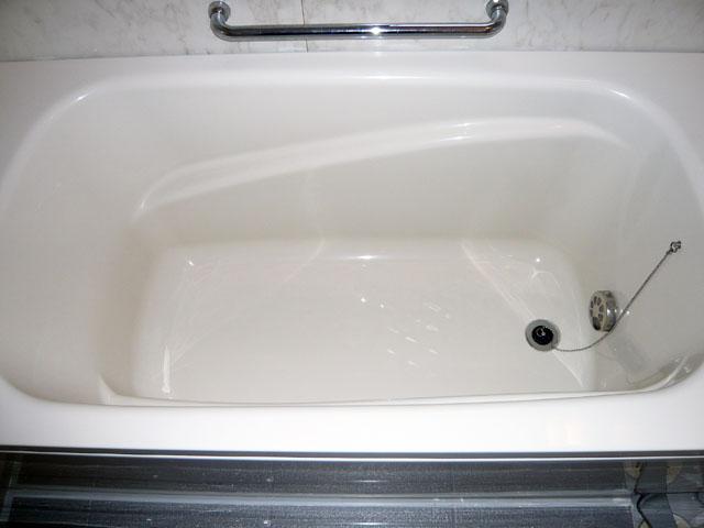 コーティングで新品同様になった浴槽