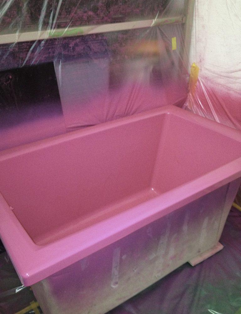 コーティングを完了した浴槽