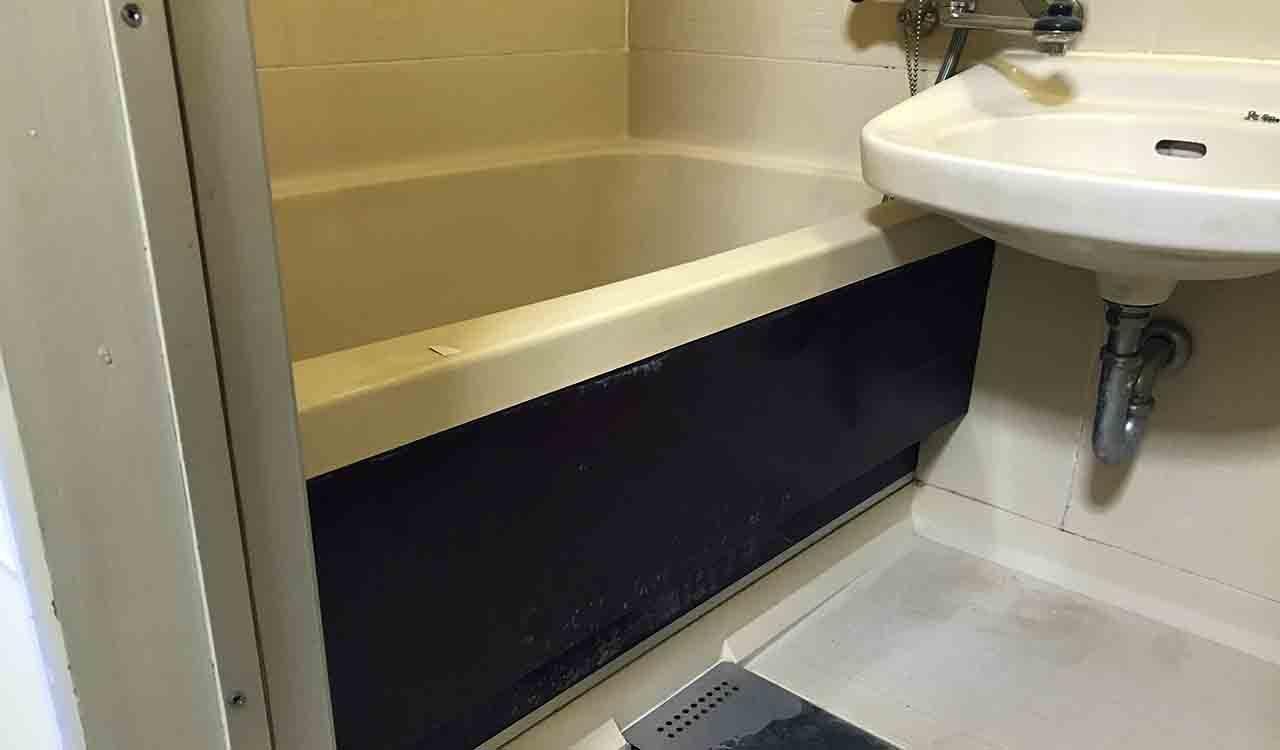 老朽化した日ポリ化工の3点ユニットバスを浴室再生塗装してみた