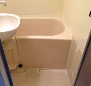 お風呂コーティングの壁の施工不良の写真
