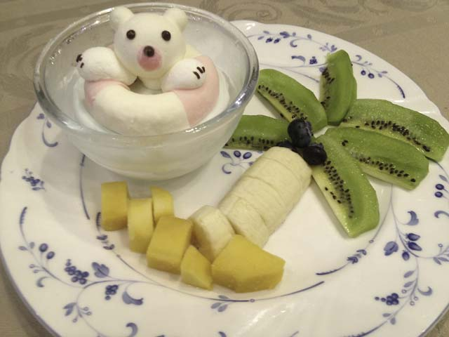 ぷかぷかアイスにフルーツのセット