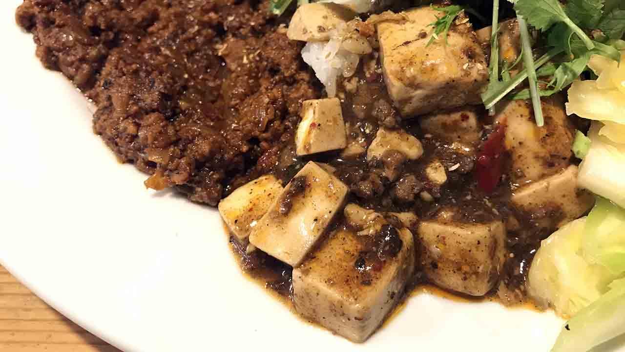 皿に盛られた麻婆豆腐