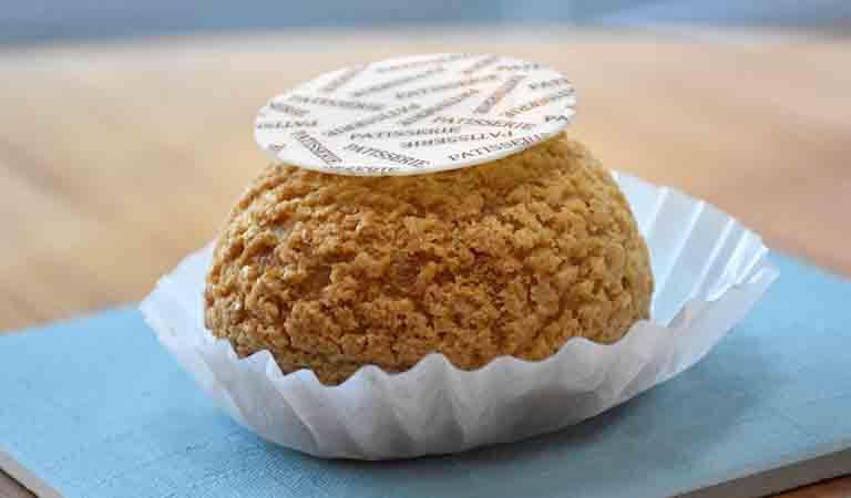 シューアラクレームのロイヤルミルクティーのシュークリーム