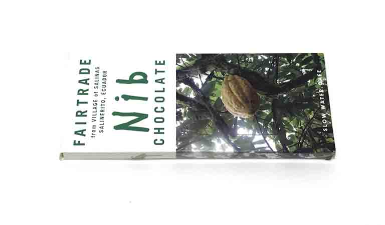 スローウォーターカフェのエクアドルサリネリートカカオニブ入りチョコレートの写真