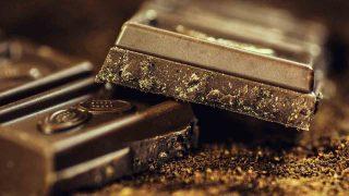 チョコレート 誕生 固形
